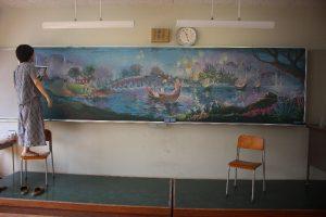 美術工芸部卒業生による黒板アート
